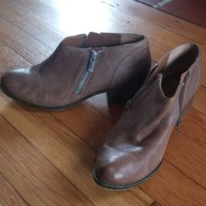 Lucky Brand heeled double sided zip ankle booties